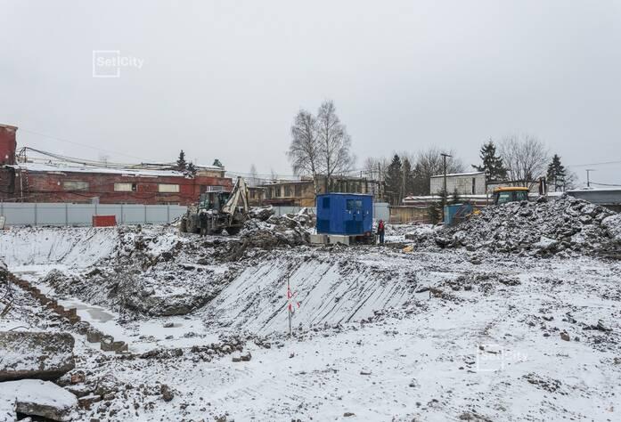 Завершены работы по демонтажу существующих зданий и сооружений.