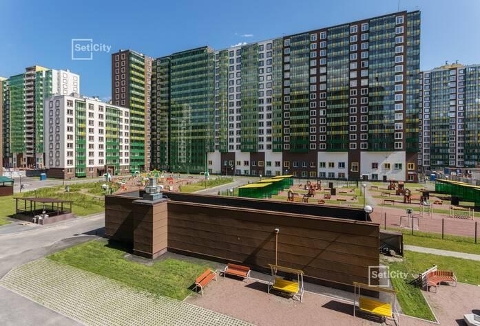 Завершаются работы по монтажу санфаянсовых изделий в с/у квартир, выполнено 98%.
