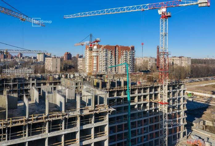 Выполнено бетонирование стен и перекрытий на уровне 8 этажа.