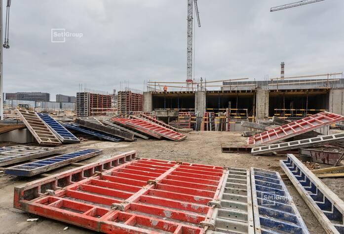 Завершены работы по устройству монолитных конструкций цокольного этажа.