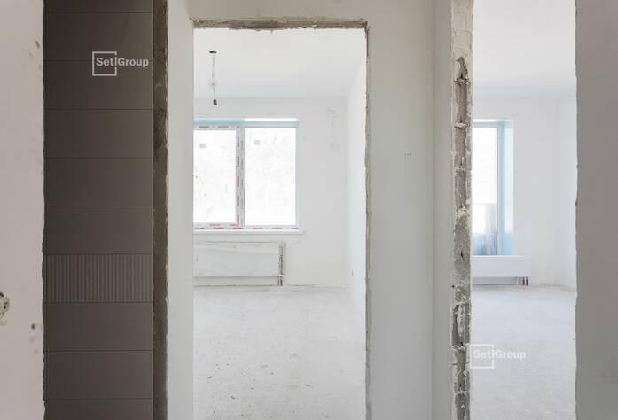 Завершены работы по устройству каркасов подвесных потолков в МОП.