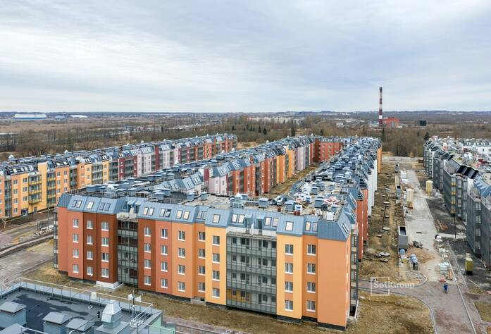 Завершаются работы по монтажу окон 5 этажа, готовность 99%.