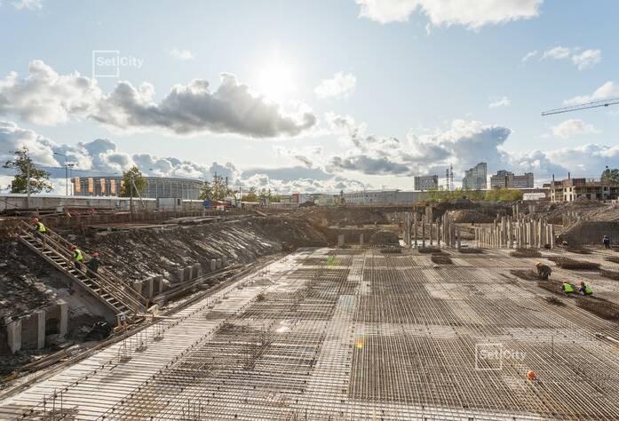 Работы по разработке котлована подземной автостоянки выполнены на 90%.
