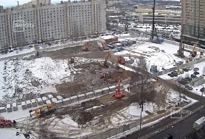 Демонтировано 95% строительных конструкций зданий.