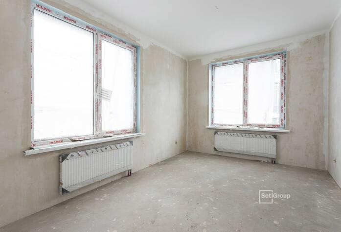 Осуществляются работы по монтажу системы отопления в квартирах на уровне 11 и 12 этажей.