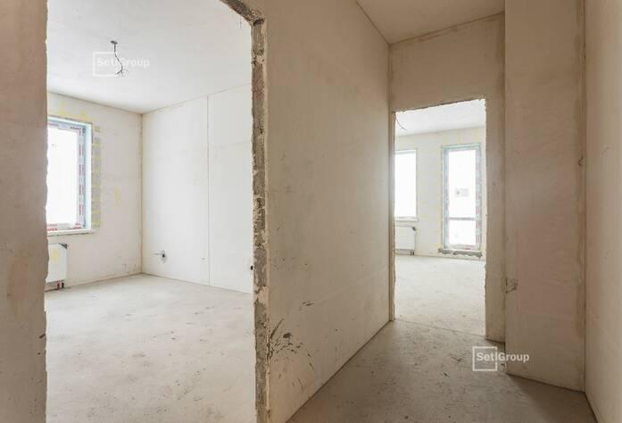 Производятся работы по монтажу окон 5 этажа, готовность 80%.