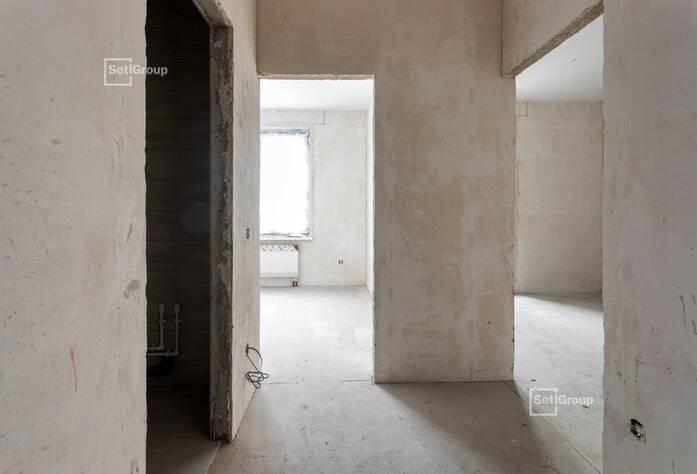 Ведутся работы по монтажу системы отопления в квартирах на уровне 11 и 12 этажей.