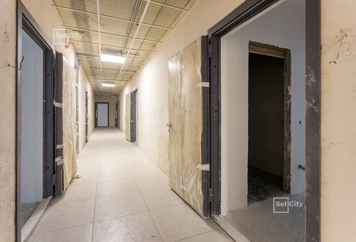 Завершены работы по монтажу систем отопления и радиаторов в квартирах.