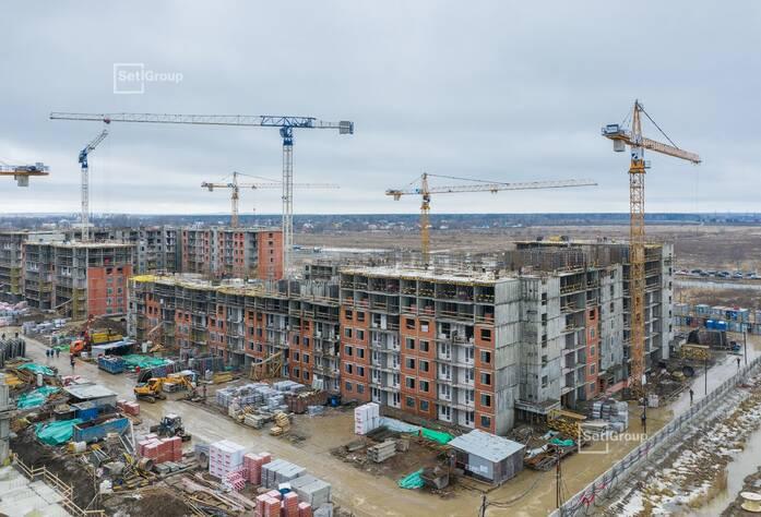 Ведутся работы по устройству железобетонных конструкций 5-8 этажей.