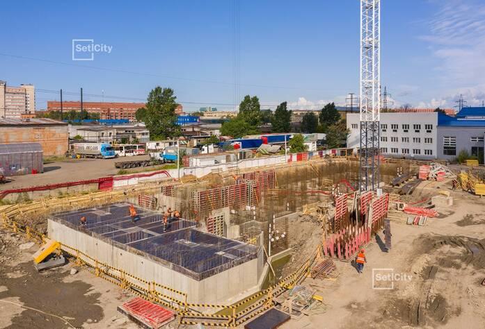 Выполнены работы по устройству монолитного ростверка здания.