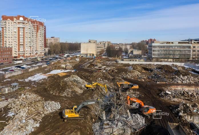 Ведутся работы по подготовке строительной площадки.