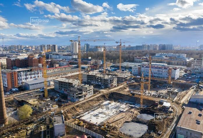 Ведутся работы по устройству временных дорог строительной площадки, выполнено 75%.