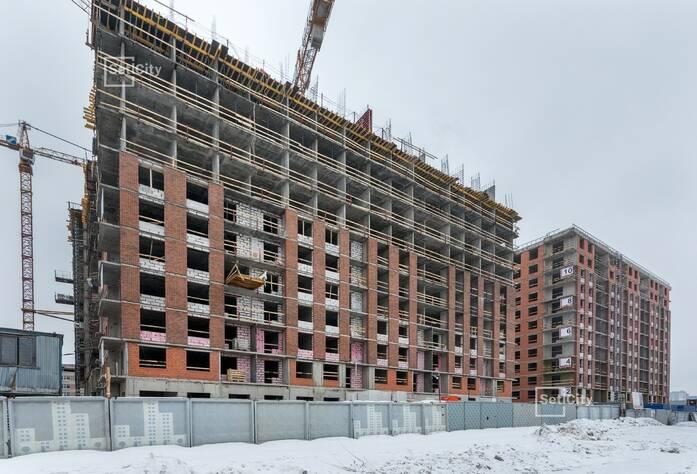 Ведутся работы по устройству 12 этажа, готовность 60%.