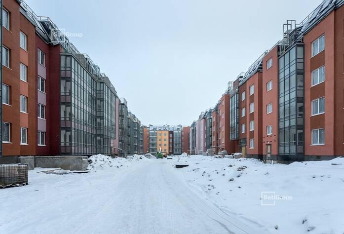 Производятся работы по монтажу окон 5 этажа, готовность 70%.