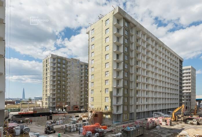 Завершены работы по монтажу оконных и балконных блоков.