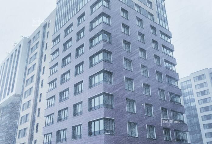 Производится монтаж механизмов розеток и сборка квартирных щитов на уровне 8 этажа.