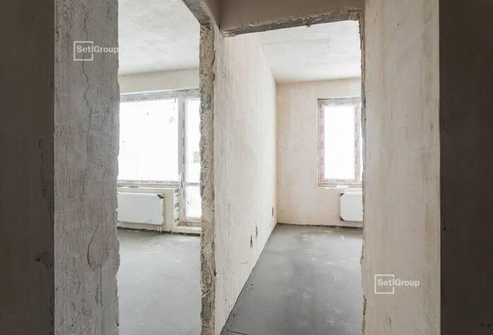 Ведутся работы по монтажу окон 5 этажа, готовность 35%.