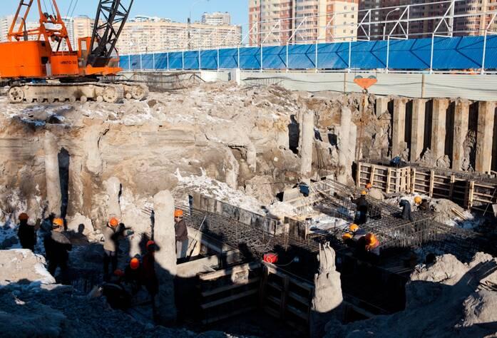 Строительная площадка жилого комплекса «Оптиков, 34» (Март 2013)