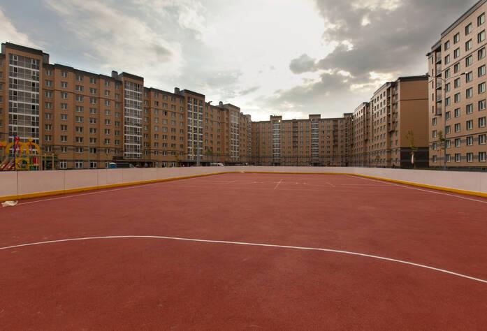 Спортивная площадка в жилом районе «Славянка»