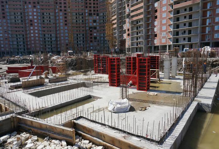 Строительство жилого комплекса «Ленинский парк» участок 6 корпус 6Б (май 2013)