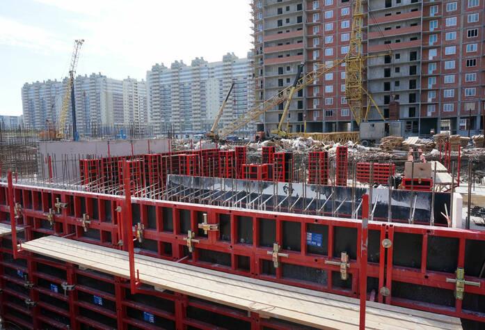Строительство жилого комплекса «Ленинский парк» участок 6 корпус 6В (май 2013)