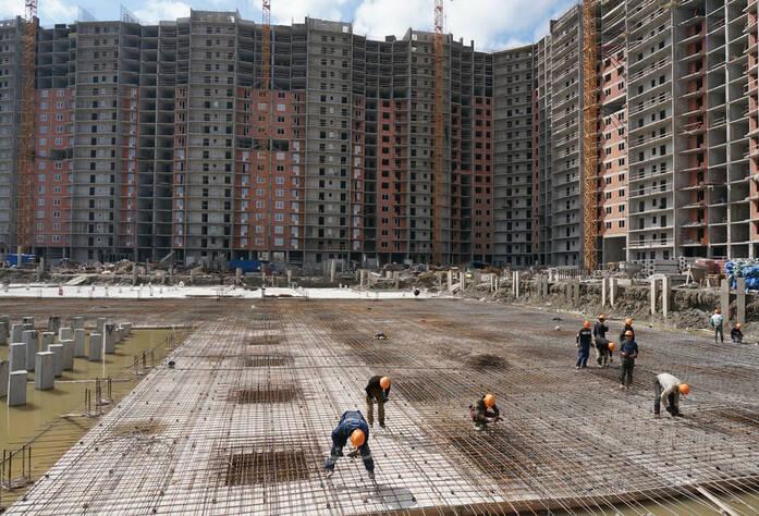 Строительство жилого комплекса «Ленинский парк» участок 7 (май 2013)