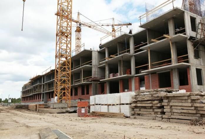 Строительная площадка ЖК «Вернисаж» корпус 3 (14.07.2014)