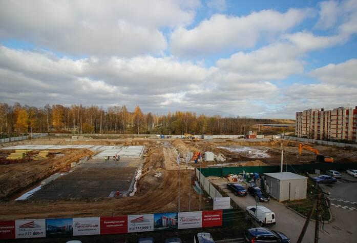 Строительство ЖК «Брусничный» (октябрь 2014)