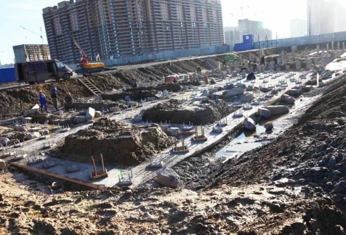 Строительство ЖК «Краски Лета» (октябрь 2014)