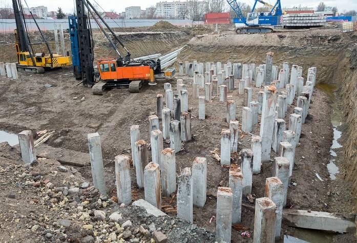 Строительство ЖК «Трилогия» (октябрь 2014)