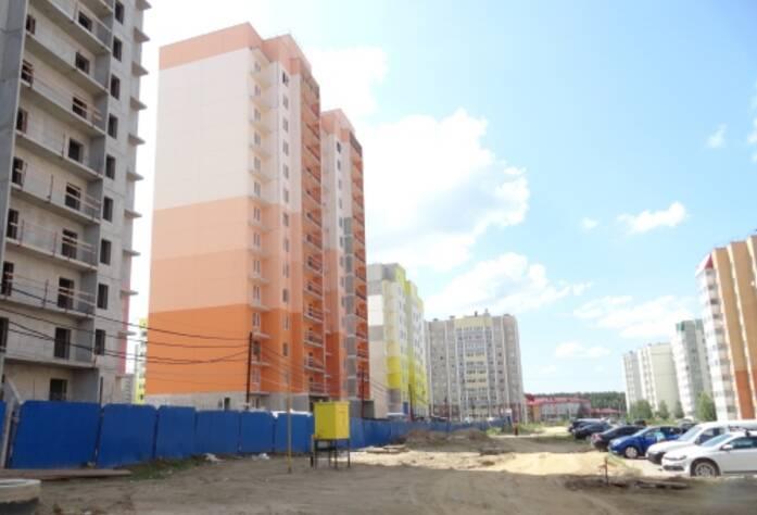 Строительство ЖК «Радужный» (июль 2014)