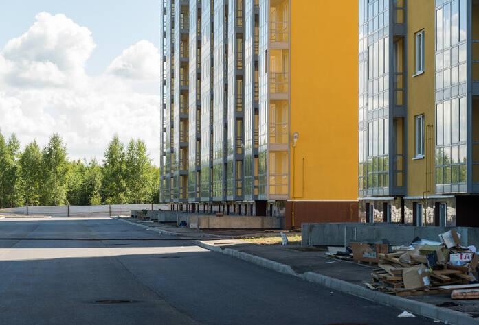 ЖК «Южная Поляна»: придомовая территория 5 корпуса (28.06.2015)