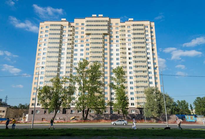 ЖК «Невская Звезда»: общий вид 1 дома (23.08.2015)