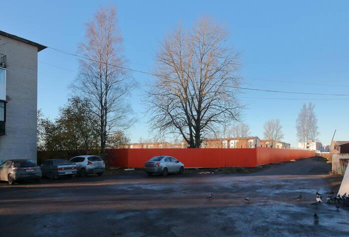 ЖК «Дом с фонтаном»: вид со стороны школы (03.11.2015)