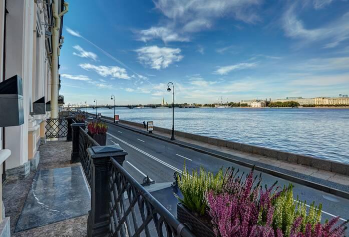 ЖК «Особняк Кушелева-Безбородко»: Вид с балкона (04.10.2015)