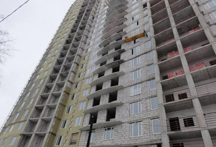 ЖК «Светлана»: фасад здания (март 2016)