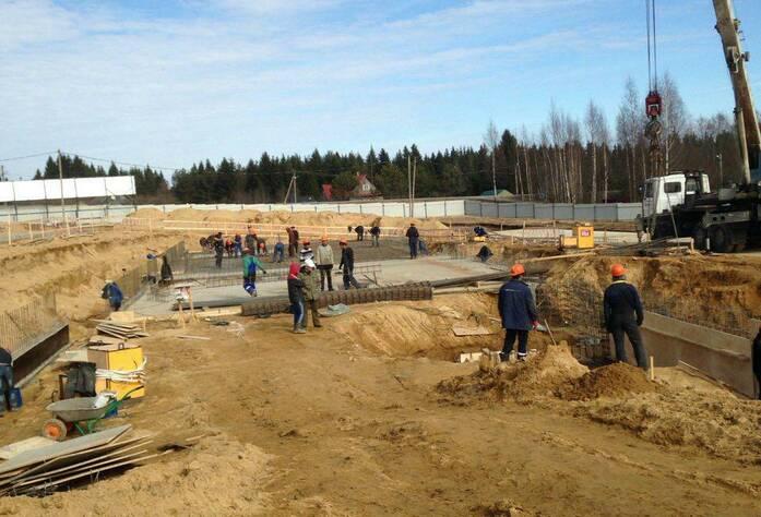 ЖК «Шотландия»: вид на место строительства (05.04.2016)