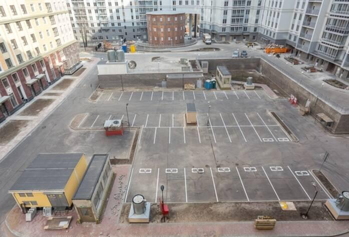 ЖК «Времена года»: парковка во дворе дома