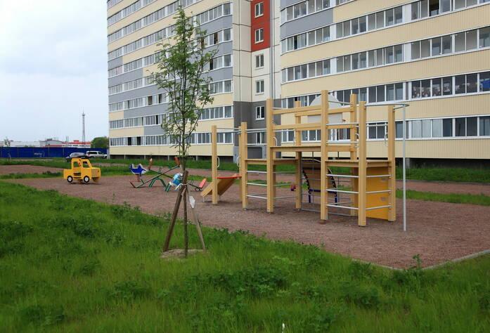 ЖК «Огни Колпино»: детская площадка корпуса 3.