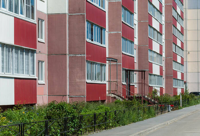 ЖК «в поселке Тельмана (микрорайон № 1)»: первые этажи и придомовая территория корпуса 7