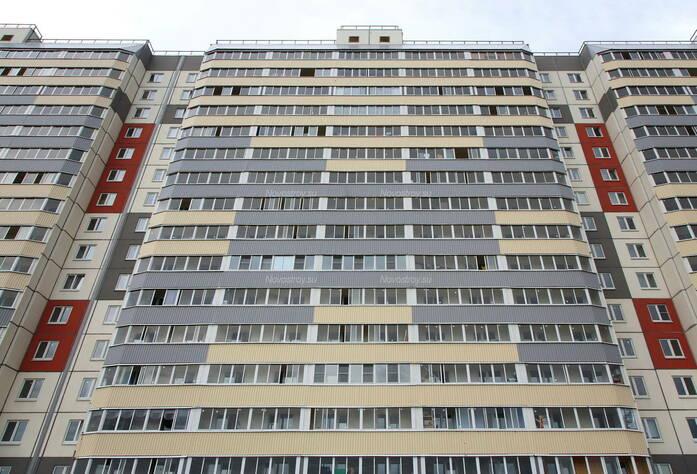 ЖК «в посёлке Тельмана» (мкр. 5): фасад 1-го корпуса