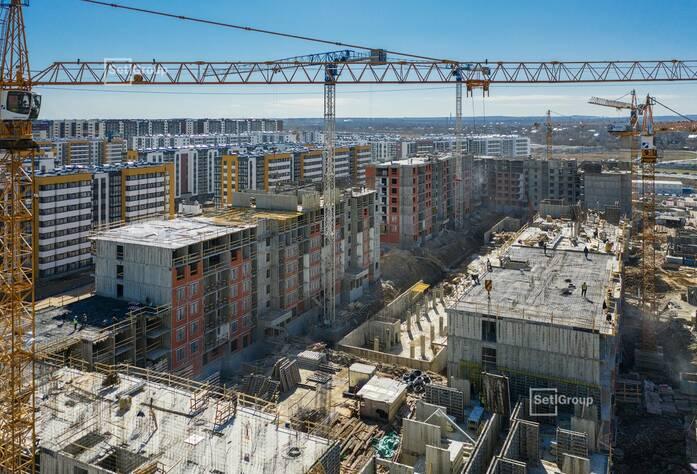 Продолжаются работы по устройству железобетонных конструкций 4-8 этажей.
