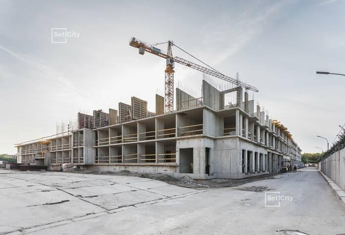 Завершены работы по устройству монолитных конструкций на уровне 2 этажа.