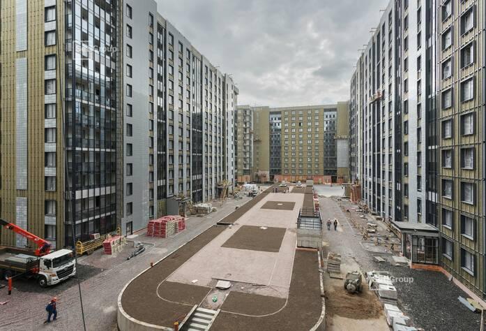 Ведутся работы по линейному монтажу электрических сетей в квартирах и МОП на уровне 12 этажа.