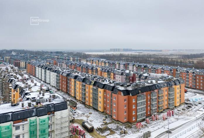 Производятся работы по монтажу окон 5 этажа, готовность 50%.