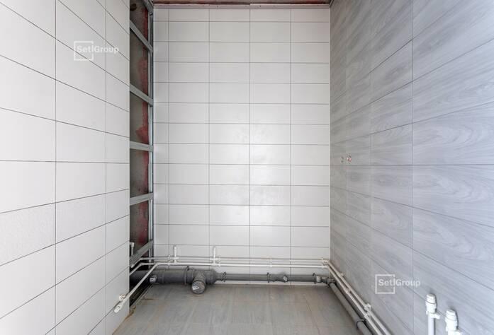 Завершены работы по монтажу оконных и дверных откосов, подоконников на уровне 11-15 этажей.