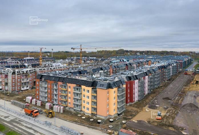 Производятся работы по монтажу окон 5 этажа, готовность 35%.