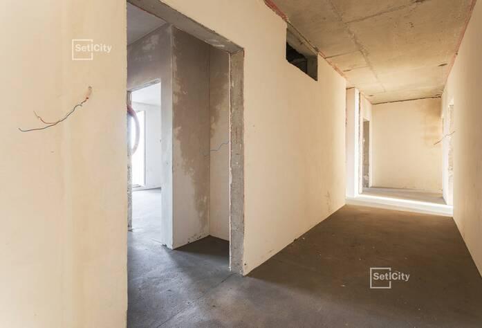 Продолжаются работы по устройству монолитного каркаса зданий на уровне 14 этажа.