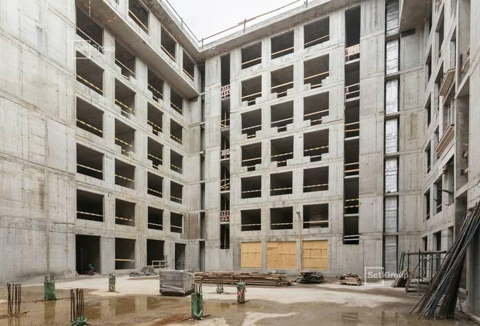 Выполнены работы по устройству каменной кладки стен 7 этажа.