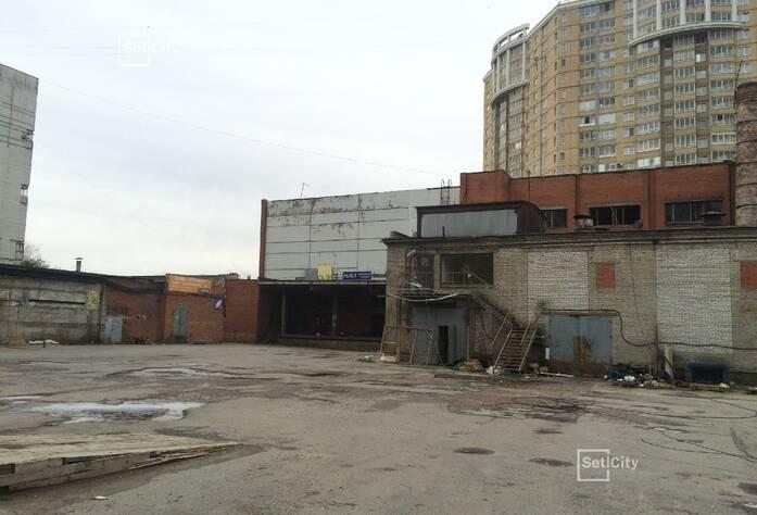 Заключен договор на демонтаж существующих зданий с подрядчиком.